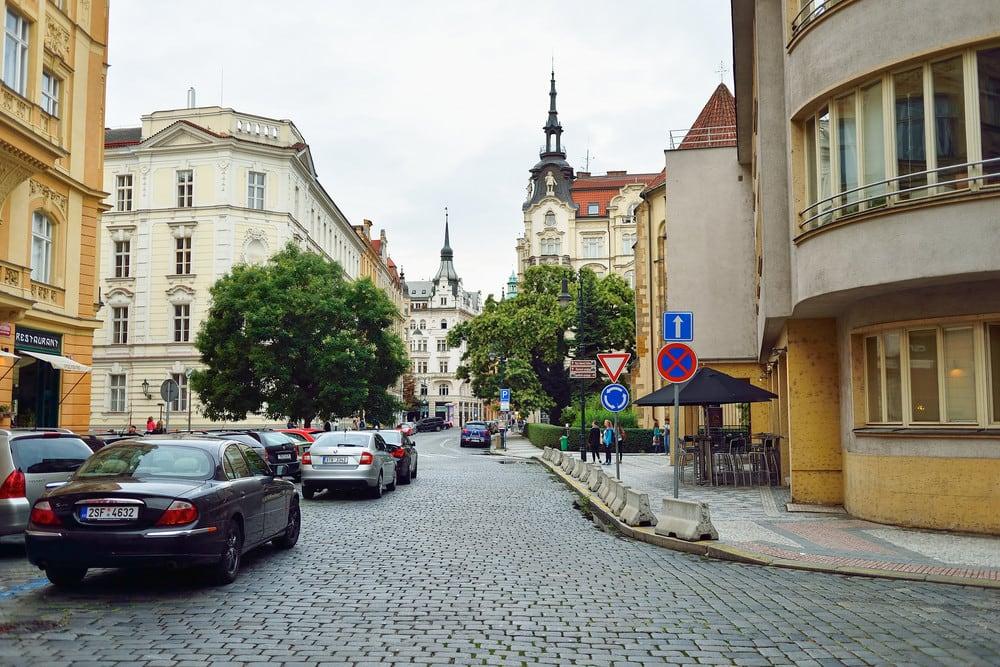 رنت خودرو در اروپا برای رانندگی در اروپا